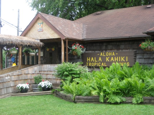 Outside the Hala Kahiki