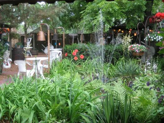Hala Kahiki garden