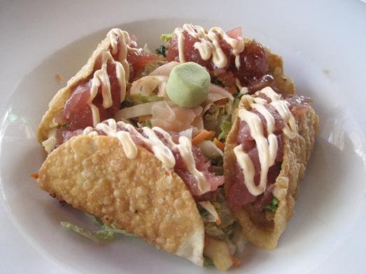 Beachcomber Cafe's ahi tacos