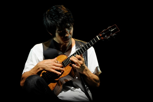 Jake Shimabukuro - Photo by Ryota Mori, 2007