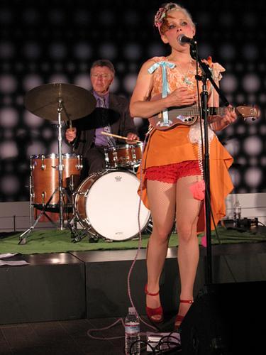 Uni & Her Ukelele - Photo from www.myspace.com/uniherukelele